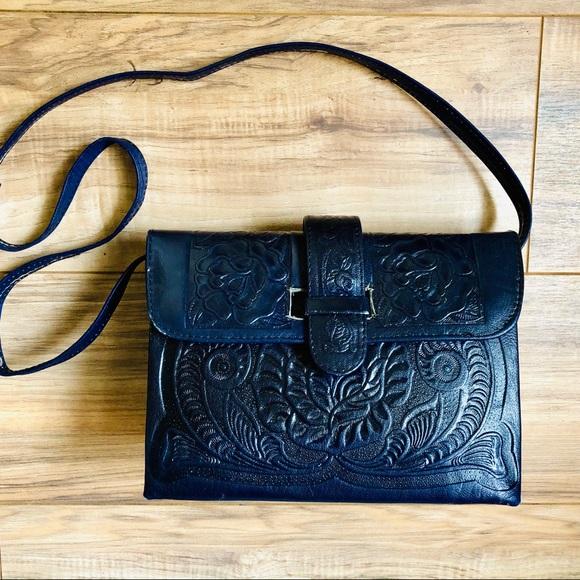 73e97f0cff31 Vintage Floral Hand Tooled Leather Navy Boho Purse.  M 5bb9c3f3c2e9fec72b1009f9